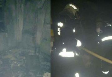 Dos bomberos heridos en el incendio de una vivienda en Santander