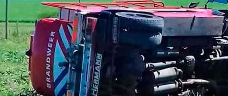 Volcó una autobomba de Bomberos de Gualeguaychú