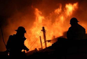 Incendio arrasa unas 90 viviendas en Guatemala