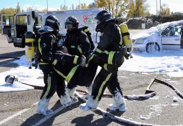 Los bomberos se enfrentan a las mercancías peligrosas