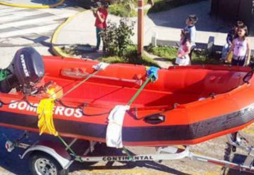 Bomberos de Panguipulli recibió una nueva embarcación