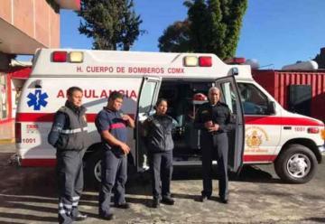 Bomberos estrenan dos nuevas ambulancias en CDMX