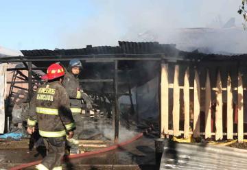 Bomberos sufren accidente mientras de dirigían a incendio