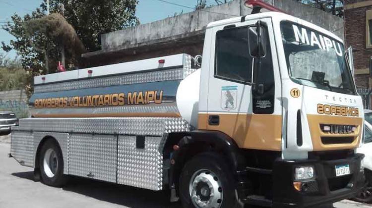 Bomberos Voluntarios de Maipu carrozo un nuevo cisterna