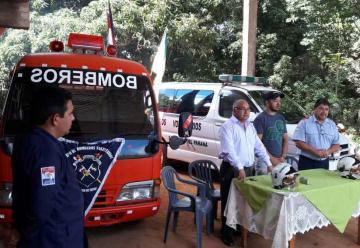 Entregan ambulancia a Bomberos de San Pedro del Paraná