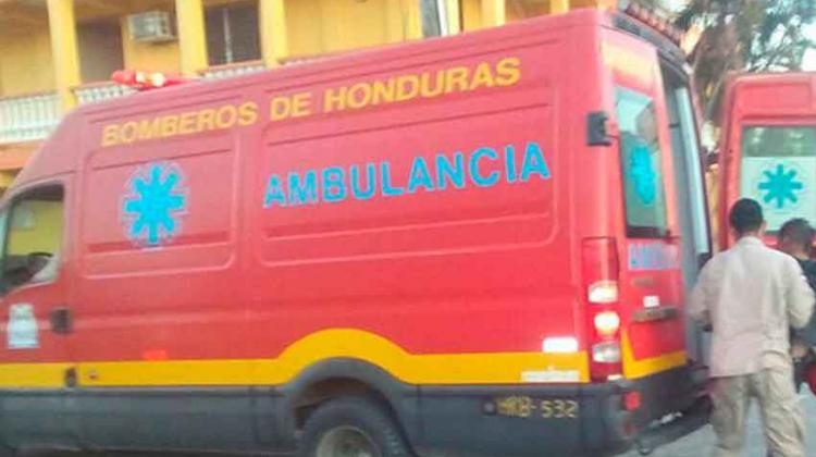 Corea del Sur dona tres ambulancias al Cuerpo de Bomberos