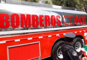 Texas y Chicago donan equipos a bomberos mexicanos