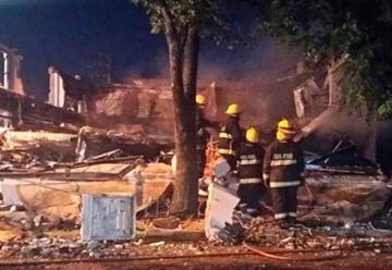 Explosión e incendio en Pilar, se derrumbaron tres comercios