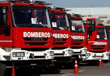 Entregan 73 nuevos carros a Bomberos de Chile