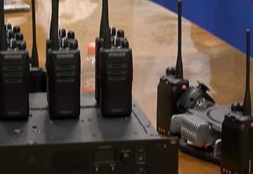 Donación de radios al Heroico cuerpo de Bomberos