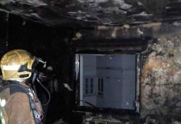 Un bombero herido en el incendio en Oviedo