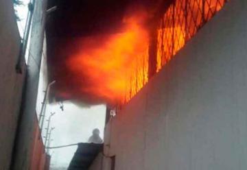 Incendio en una fábrica de calzado en el sur de Quito