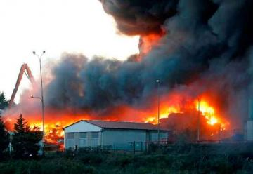 Bomberos logran controlar el incendio en Gijón