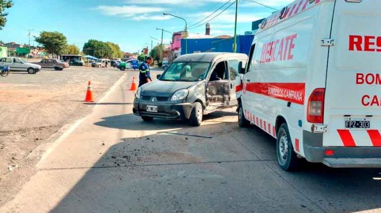 Unidad de bomberos chocó cuando asistían una emergencia