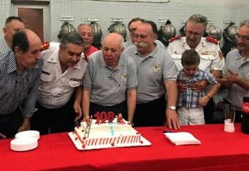 Bomberos de Lomas de Zamora celebraron sus 108 años