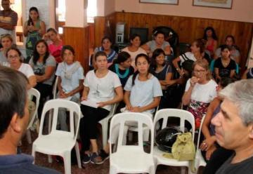 Bomberos capacitó a docentes sobre RCP y el uso del matafuego
