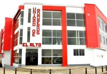 El Alto estrena moderna estación de bomberos