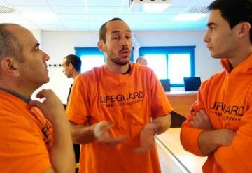 Tres bomberos andaluces se enfrentan a diez años de cárcel por ayudar a refugiados