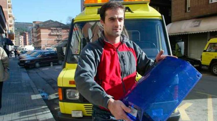 """Bomberos y ambulancias llevarán las """"Luces"""" azules y no amarillas"""