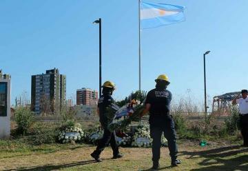Rinden homenaje a las 10 víctimas del incendio de Iron Mountain