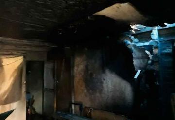 Un bombero grave y otros 3 lesionados deja incendio