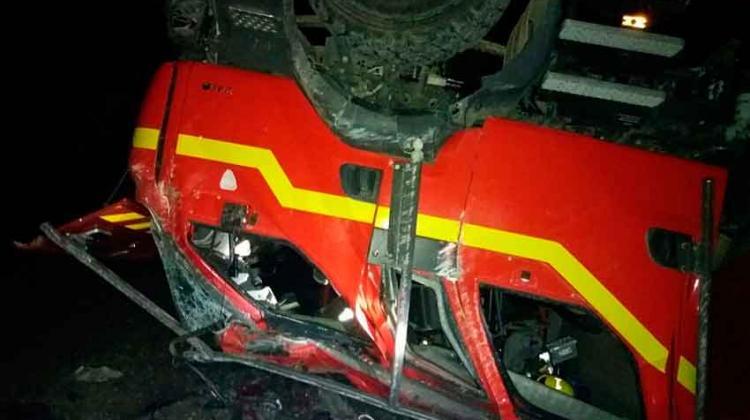 Volcamiento de carro de Bomberos en Contao dejó seis lesionados