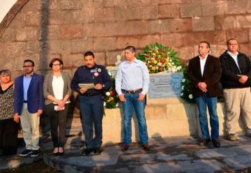 Rinden homenaje a bomberos caídos