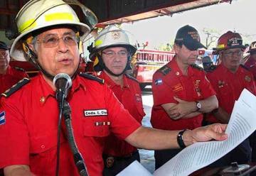 Presentan primera brigada para combatir incendios forestales