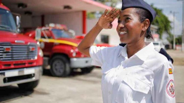 Cartagena tiene la primera mujer en el cuerpo de bomberos