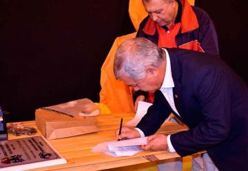 Firma de convenio entre Bomberos Voluntarios y Defensa Civil