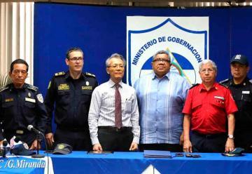 Entregan importante donativo a bomberos de Nicaragua