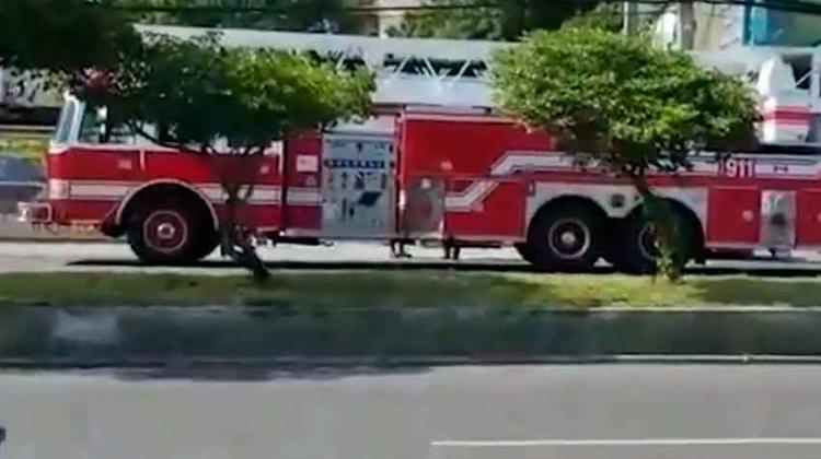 Camión se quedó sin combustible cuando iba a una emergencia
