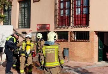 Varios bomberos han resultado heridos en un incendio