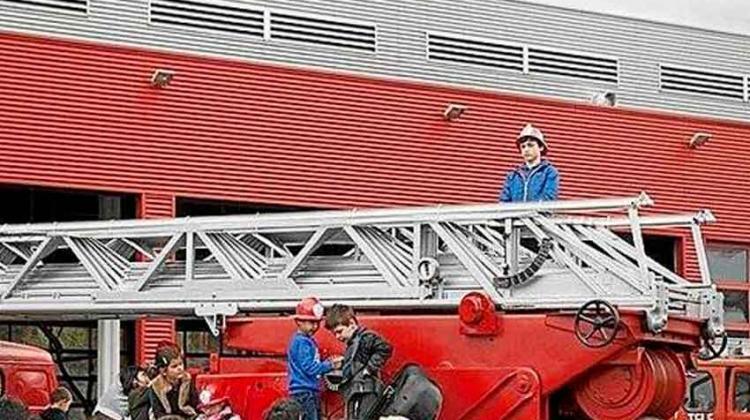 Los bomberos se quedaron sin cascos