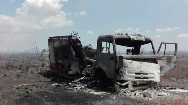 Camión de los bomberos de Tipitapa es alcanzado por el fuego