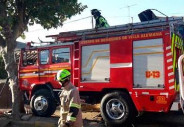 Carro de Bomberos choca con casa tras accidente de tránsito