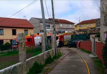 Reclaman un camión de bomberos de pequeñas dimensiones