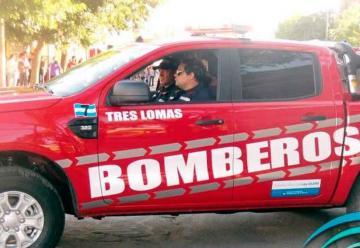 Bomberos de Tres Lomas presentaron una nueva unidad
