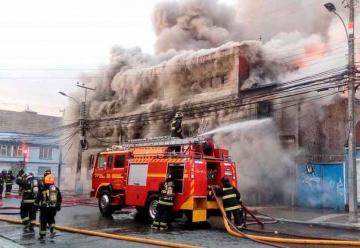 Incendio destruyó antiguo edificio de Punta Arenas
