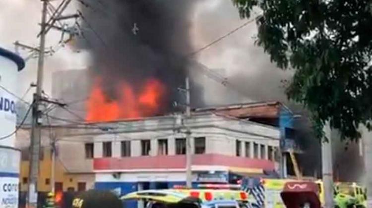 Incendio en fábrica de pinturas en el centrode Medellín