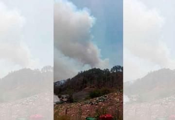 Bomberos sufren graves quemaduras en incendio Forestal