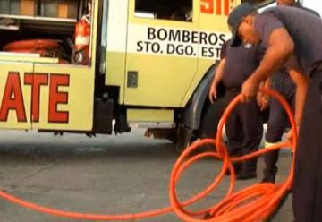 Bomberos trabajan en medio de precariedades en República Dominicana