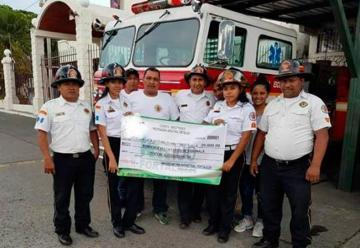 Bomberos de Siquinalá fueron beneficiados por un donativo