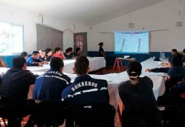 Capacitación a Bomberos Voluntarios en El Galpón