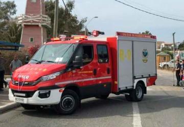 Bomberos de Guanaqueros recibe moderno carro