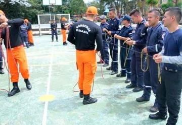 Bomberos fueron capacitados por instructores brasileños