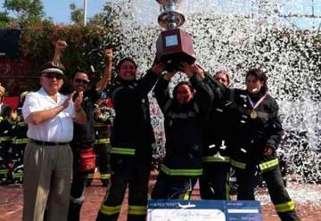 """Chillanejas se coronaron campeonas en el """"Desafío Bomberos de Chile"""""""