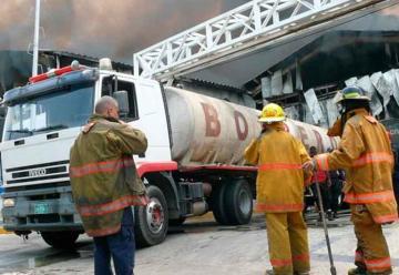 Incendio consumió empresa en el municipio Mariño