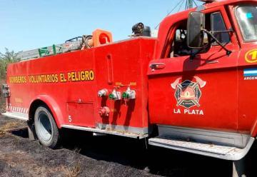 Bomberos del barrio El Peligro hacen una colecta para tener un nuevo cuartel