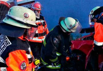 Bomberos recibieron capacitación en rescate vehicular